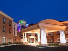 Akron (OH) Holiday Inn Express Hotel and Suites Akron South-Airport Area United States, North America Ideally located in the prime touristic area of Green, Holiday Inn Express Hotel and Suites Akron South-A promises a relaxing and wonderful visit. The hotel offers guests a range of services and amenities designed to provide comfort and convenience. To be found at the hotel are free Wi-Fi in all rooms, 24-hour front desk, facilities for disabled guests, luggage storage, valet p...