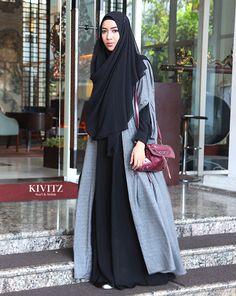 Back to Jogjakarta: Hijabmorfosa Festival Niqab Fashion, Modern Hijab Fashion, Modest Fashion, Girl Fashion, Fashion Outfits, Casual Hijab Outfit, Hijab Dress, Muslim Dress, Muslim Women Fashion