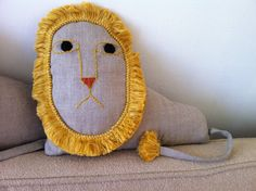 If only we had a little one on our gift list, this would be the thing. Housey Home : COUCH LION small