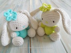 Adorable Amigurumi Bunny with free pattern. This small plush will be a great gift idea for bunnies lover
