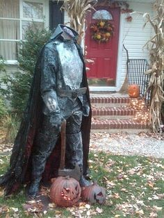 Awesome yard display for Halloween!   But it might scare the kids away, however... :(