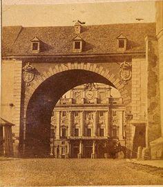 Hacia 1860. Palacio desde el Arco de la Armeria. Laurent.