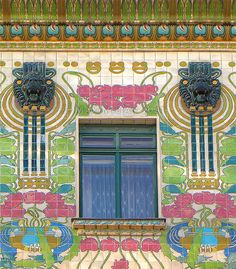 Majolica House - Architecture of Art Nouveau in Vienna Otto Wagner's Art Nouveau houses on the Linke Wienzeile are an ensemble of three apartment buildings. They were built between 1898 and Amazing Architecture, Art And Architecture, Architecture Details, Art Nouveau Tiles, Art Nouveau Design, Belle Epoque, Art Nouveau Arquitectura, Otto Wagner, Jugendstil Design