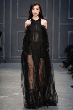 Vera Wang Fall 2014 Ready-to-Wear Fashion Show - Fei Fei Sun