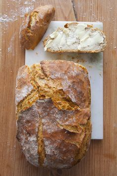 If you fancy a homemade bread with crunchy, appetizing … Healthy Bread Recipes, Pizza Recipes, Vegetarian Recipes, Dinner Recipes, Cooking Recipes, Polish Recipes, Artisan Bread, Food Inspiration, Banana Bread