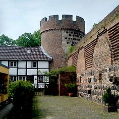 Katja Schmitt   Zons - Medieval Stronghold on the Rhine Merovingian, Cherished Memories, Medieval, Explore, Mansions, House Styles, Places, Painting, Manor Houses