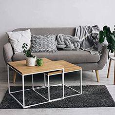 Amazon.de: Original BestLoft® 2er-Set Couchtisch Twinsburg (MWH) edle Eiche Industriedesign Large Table, Small Tables, Apartment Living, Living Room, Metal Side Table, Vintage Sofa, Center Table, Space Saving, Storage Spaces