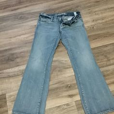 A.E. jeans 6 reg In great condition cute just to big for me. American Eagle Outfitters Jeans Boyfriend