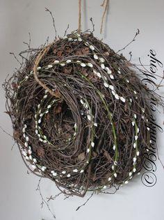 Stoer en sober krans kranz wreath met katjes hoffzstijl