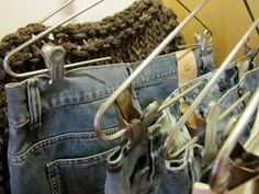 Entre perchas Pants, Fashion, Trouser Pants, Moda, Fashion Styles, Women's Pants, Women Pants, Fashion Illustrations, Trousers