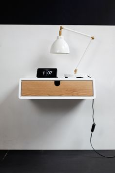 Floating White nightstand / Bedside Table / Drawer, Scandinavian Mid-Century Modern Retro Style with 1 drawer made of oak wood Bedside Shelf, White Nightstand, Floating Nightstand, Diy Bedroom Decor, Diy Home Decor, Bedroom Ideas, Retro Bedside Tables, Floating Shelf With Drawer, Diy Table