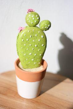 Un macaron en forme de cactus, macaron à la pistache