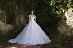 Chrystelle Atallah 2016 collection - Bridal - http://www.orientpalms.com/Chrystelle-Atallah-6175