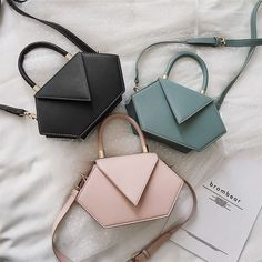 Discovered by 𝐿𝒶𝓁𝒾. Find images and videos about bag, chanel and gucci on We Heart It - the app to get lost in what you love. Cute Handbags, Cheap Handbags, Prada Handbags, Fashion Handbags, Purses And Handbags, Fashion Bags, Popular Handbags, Leather Handbags, Pink Purses