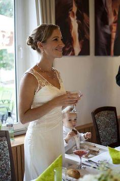 Svatební šaty jednoduché krémové, 38 White Dress, Dresses, Fashion, Gowns, Moda, White Dress Outfit, Fashion Styles, Dress, Vestidos