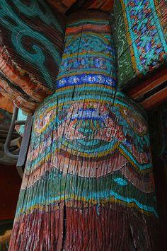 Bulguksa Temple, Gyeong Ju, Korea by Larry Johnson, via Flickr. (CC BY 2.0)