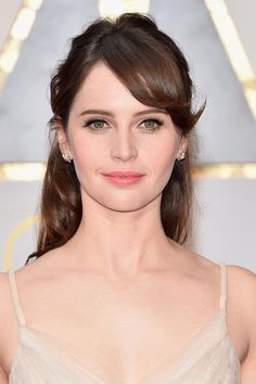 Red carpet hairstyle. Beautiful halfupdo - Felicity Jones. Celebrity hairstyle. Oscars 2017
