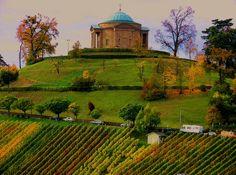 Stunning Grabkapelle auf dem W rttemberg Stuttgart Rotenberg Weinberge im Herbst
