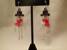 Snowman earrings - Threadabead.com pattern - I added yarn for the scarf