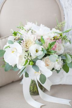 white and blush bouquet | Declare Photography #wedding
