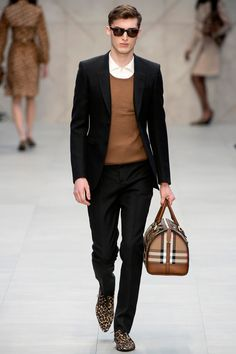 Beautiful Runway Model Charlie France at the Burberry Prorsum 2012 RTW Show