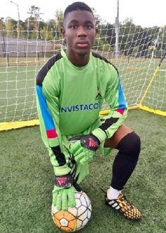 Reuben Nsemoh es un adolescente estadounidense de 16 años que recibió una patada en la cabeza mientras que jugaba al fútbol –es portero- y estuvo tres días en coma. Hasta aquí todo normal; cualquiera puede tener un accidente de este tipo practicando un deporte, pero lo verdaderamente extraño vino cuando