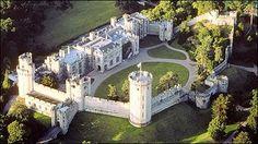 Warwick Castle was built by William the Conqueror in 1068