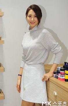 수현 닐스야드 Claudia Kim, Korean Actresses, In Hollywood, Ulzzang, Kdrama, Asian Girl, High Neck Dress, Chinese, Kpop