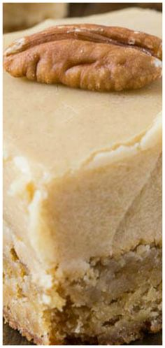 Butterscotch Blondies Recipe Butterscotch Blondies ~ Insanely buttery Butterscotch Blondies loaded with toasted pecans and topped with a thick layer of Brown Sugar Frosting. These blondies are sinful! So sweet and buttery. They are beyond indulgent Butterscotch Blondie Recipe, Butterscotch Blondies, Brownie Recipes, Cookie Recipes, Dessert Recipes, Bar Recipes, Recipies, Pumpkin Cheesecake Recipes, Detox Recipes