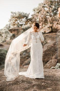 Vintage-Inspired Fall Wedding Dress