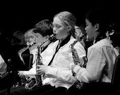Una formación musical temprana ayuda al cerebro a procesar el sonido. http://www.farmaciafrancesa.com