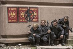 Hunger Games - La Révolte : Partie 2 : Photo Evan Ross, Josh Hutcherson, Sam Claflin, Wes Chatham