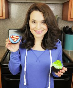 Loved making these Superman and Kryptonite cupcakes!