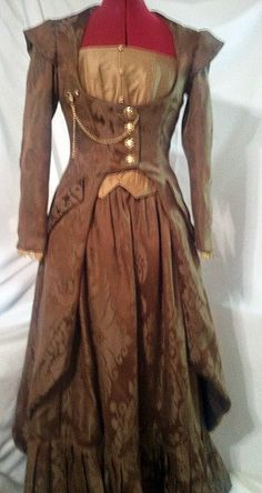 ALL THE CLASSICAL ELEMENTS SHOWN HERE Victorian Steampunk costume, beautiful version of this pattern