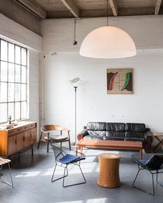 Everyday we share our stories and passions for home design and great architecture. My Living Room, Home And Living, Living Room Decor, Living Spaces, Home Interior, Interior Architecture, Interior Decorating, Midcentury Modern Interior, Luxury Home Decor
