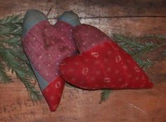Primitive Valentine Hearts (love these colors!), handmade in California by Prairie Primitives Folk Art.