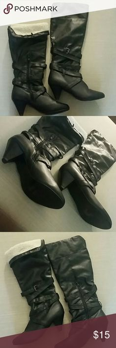 FLASH SALE💥VGUC sz 9 Knee High Boots Fold over top for contrast and more casual look Leave boots up for more sexy, sophisticated look  VERY few signs of wear  No tears, major flaws, etc Shoes Over the Knee Boots