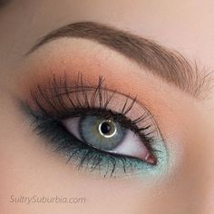 Mint eye shadow