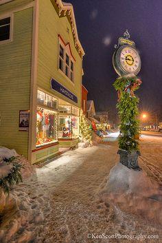 Suttons Bay, Michigan ... 9:45pm winter.
