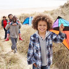 Free Family Fun!  Happy, healthy families have something in common: they take the time to have FUN. Here, 10 inexpensive ways to enjoy each other.