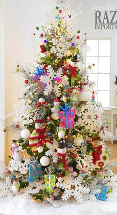 Bigger is always better when it comes to Christmas decorations. Not only do large ornaments take up more space, they make for an adorable kid friendly tree.