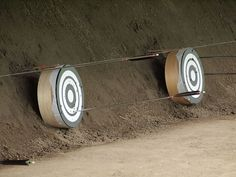 The traditional target for experienced archers are the bulls eye styled Mato targets. Archery, Golf Clubs, Martial Arts, Samurai, Japan, Traditional, Target, Sports, Inuyasha