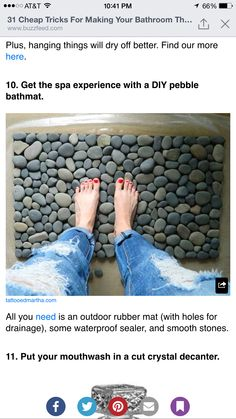 Ocean Stone Bath Mat or I am thinking river rocks! Stone Bathroom, Bathroom Rugs, Bathrooms, Bathroom Interior, Outdoor Rubber Mats, Diy Tapis, Cool Doormats, Plastic Mat, Cheap Trick