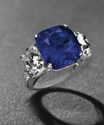 World most expensive gemstone per carat sold at auction】Top Ten Record Breaking Expensive Gemstones in the World Most Expensive Engagement Ring, Best Engagement Rings, Three Stone Rings, Temple Jewellery, Jewelry Party, Indian Jewelry, Gemstone Jewelry, Sapphire, Bling