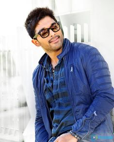 Allu Arjun often shares his family photos on social media and his personal photos with wife Sneha are too cute. Check out best of Allu Arjun images and photos right here Allu Arjun Hairstyle, Hd Photos Free Download, Allu Arjun Wallpapers, Dj Movie, Allu Arjun Images, Prabhas Pics, Galaxy Pictures, India People, Artists For Kids