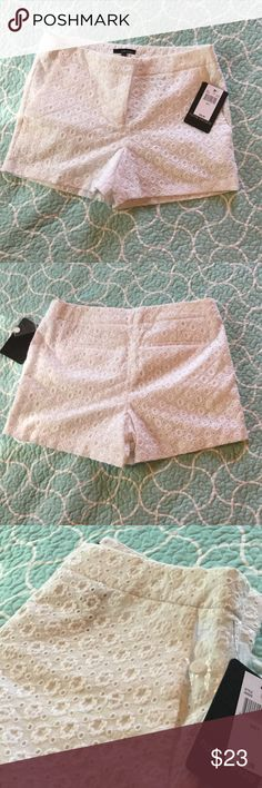 NWT harve benard white eyelet shorts size 8 Beautiful crisp white shorts for spring and summer. NWT see pics very very slight marks around waiste band simply from storage that will easily wash out once tags are removed. Let's face ladies, they are white! These are a fabulous deal🤑happy poshing! Harve Benard Shorts