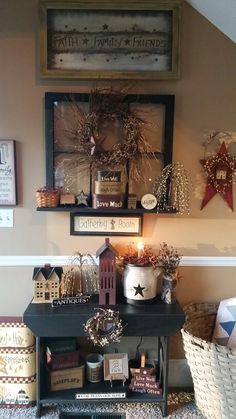 Country Primitive Home Decor . Country Primitive Home Decor . Love This Look 3 Primitive Homes, Country Primitive, Primitive Living Room, Primitive Bathrooms, Country Farmhouse Decor, Primitive Crafts, Farmhouse Style, Country Living, Fresh Farmhouse