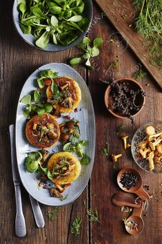 Kartoffel-Pilz Küchlein knusprig mit Pfifferlingen & Champignons (vegan) Drinking Around The World, Good Food, Yummy Food, Delicious Vegan Recipes, Food Pictures, Curry, Healthy, Ethnic Recipes, Foodblogger