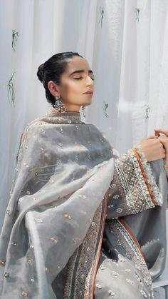 Shadi Dresses, Pakistani Formal Dresses, Pakistani Wedding Outfits, Pakistani Bridal Wear, Pakistani Dress Design, Bridal Outfits, Wedding Dresses, Indian Attire, Indian Outfits