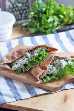 Tzatziki Greek Yogurt Chicken Salad. In a pita?! Winning.